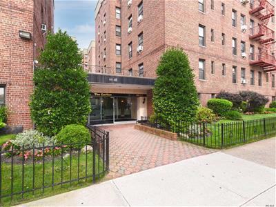 Condos for Sale in Briarwood, Queens, NY | Condo.com™